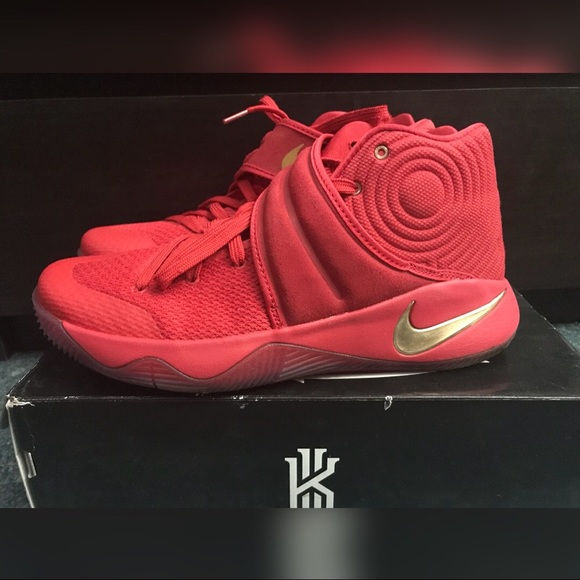 sports shoes 369f6 828dc Kyrie 2 Red Red Gold